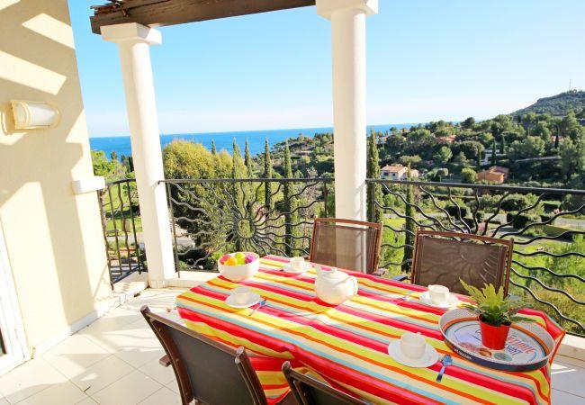 in Agay - CAP ESTEREL: 1 bedroom flat with sea view, corner terrace- 63la