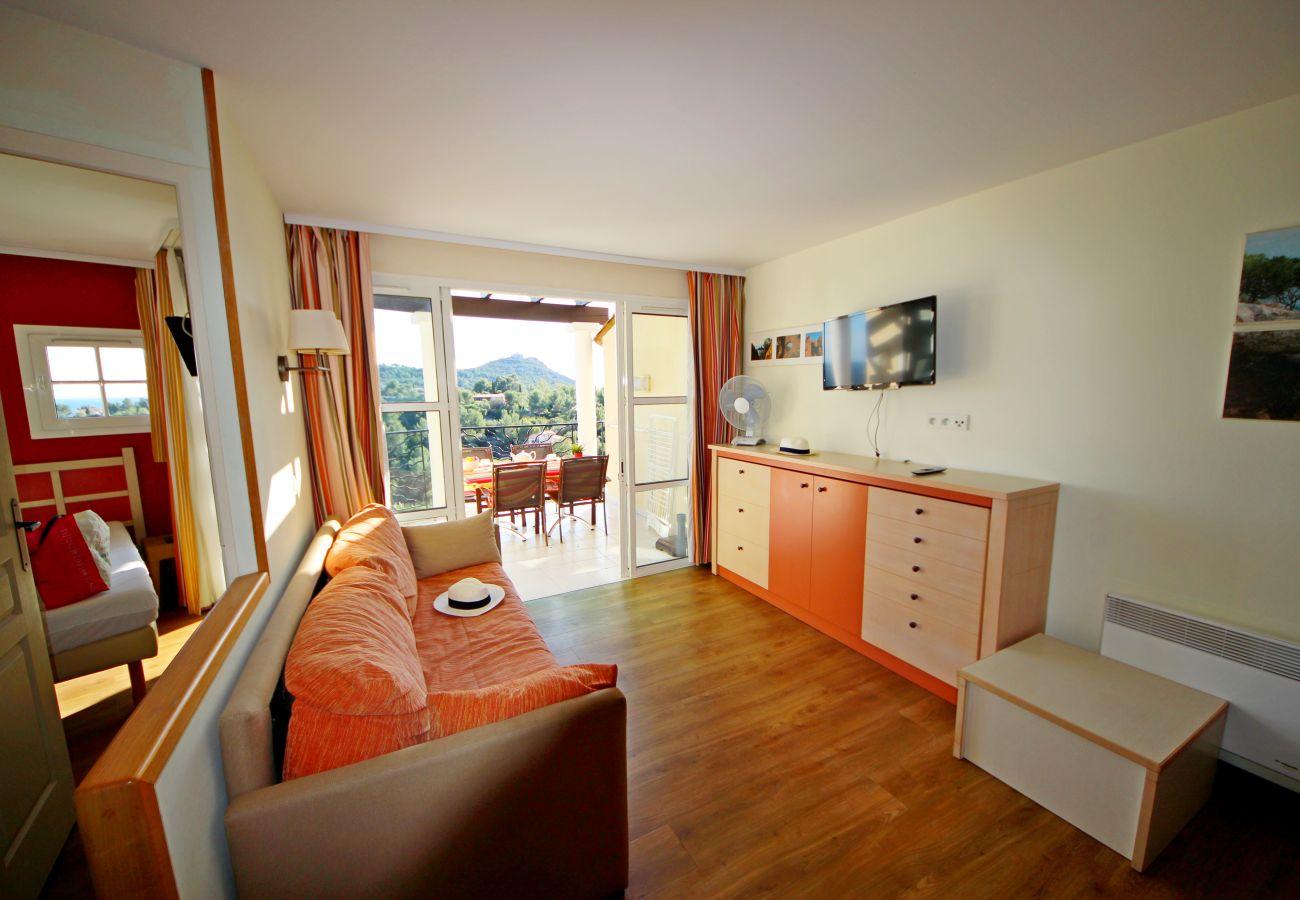 Ferienwohnung in Agay - CAP ESTEREL: 1 bedroom flat with sea view, corner terrace- 63la