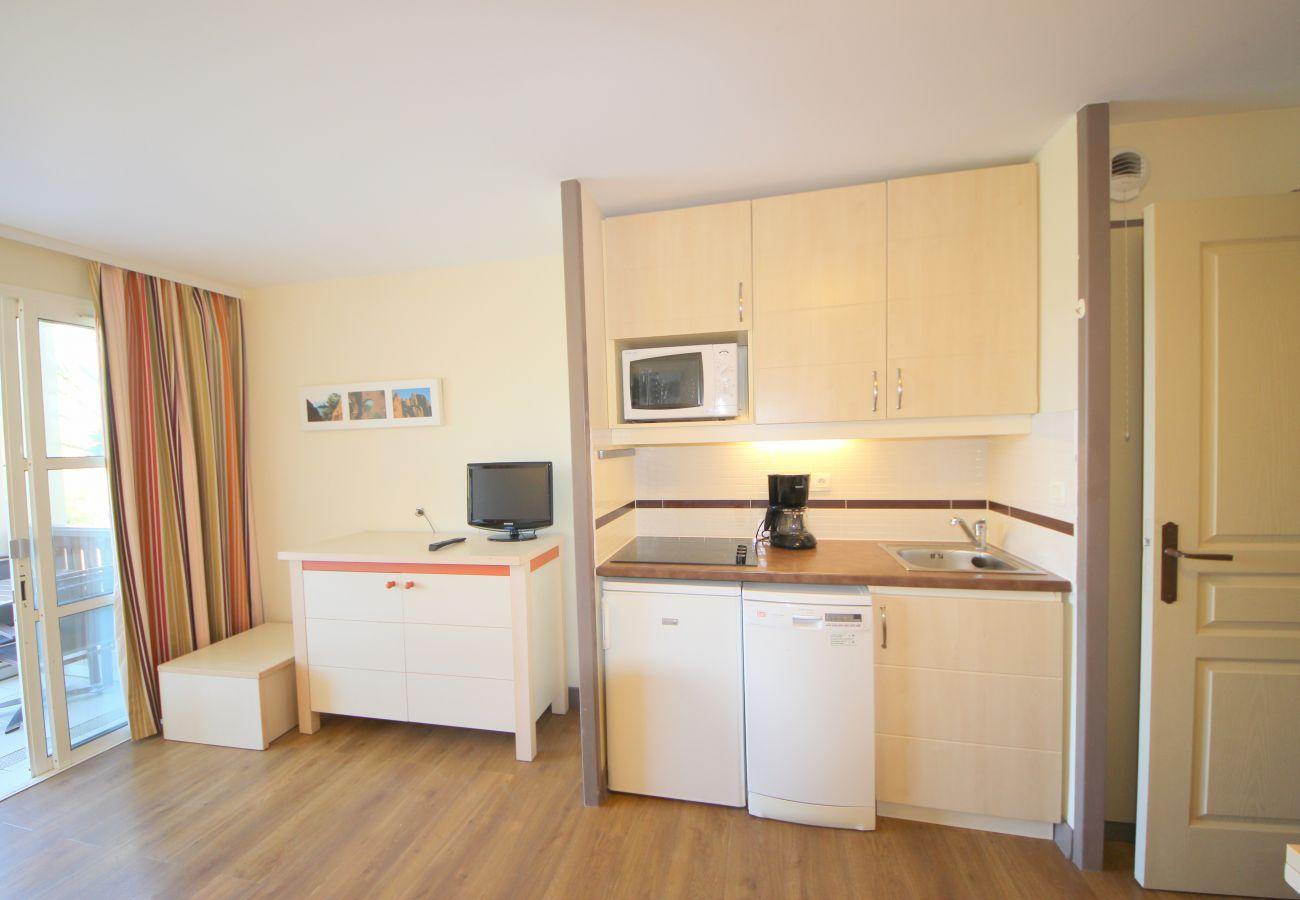 Studio in Agay - Nice flat central position in CAP ESTEREL resort 4 people