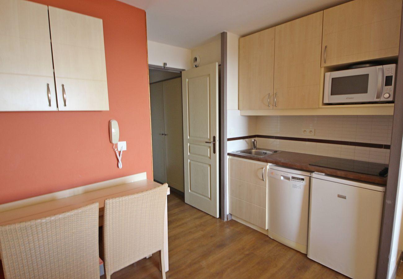 Ferienwohnung in Agay - CAP ESTEREL VILLAGE : 2 pièces mer rénové 2è étage E1-275la