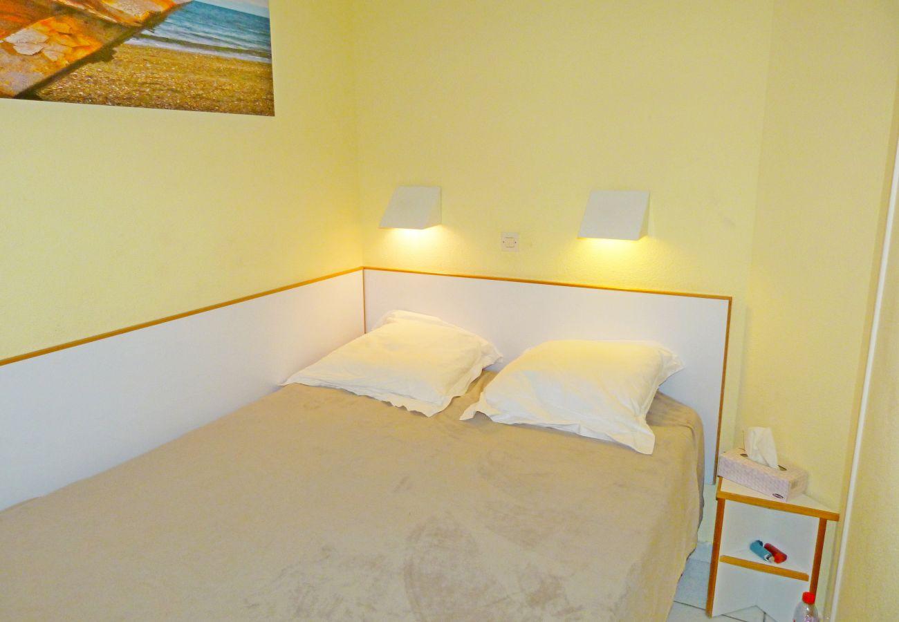 Ferienwohnung in Agay - CAP ESTEREL VILLAGE -2 pièces mer 2è étage G4 calme - 258la