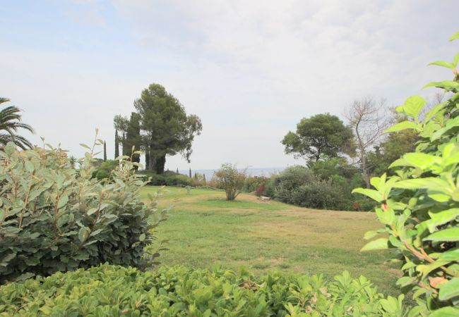 in Agay - Cap Esterel Village : 3 pièces rez de jardin VJ- 274la