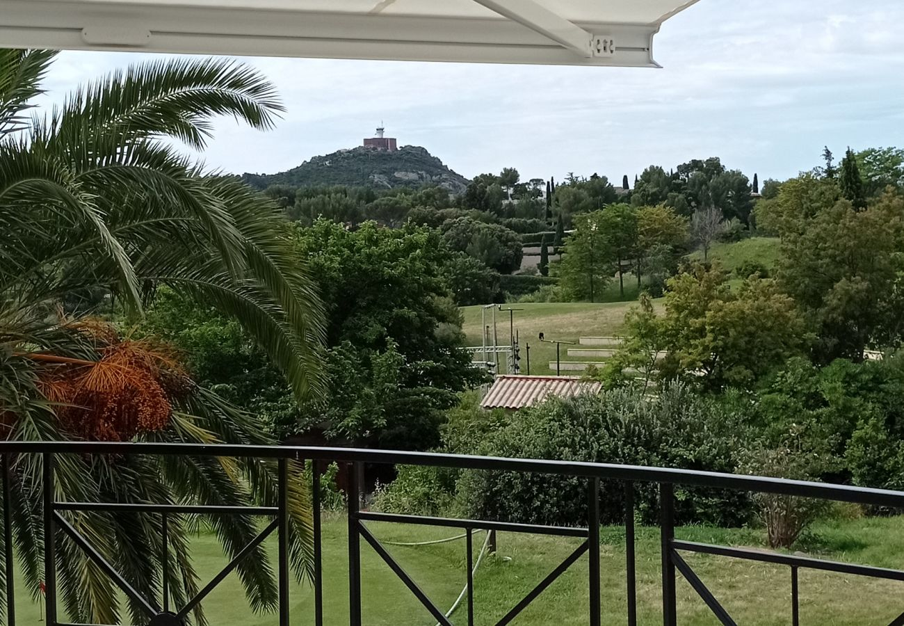 Ferienwohnung in Agay - Cap Esterel Village : 3 pièces duplex vue mer, terrasse d'angle VJ- 64la