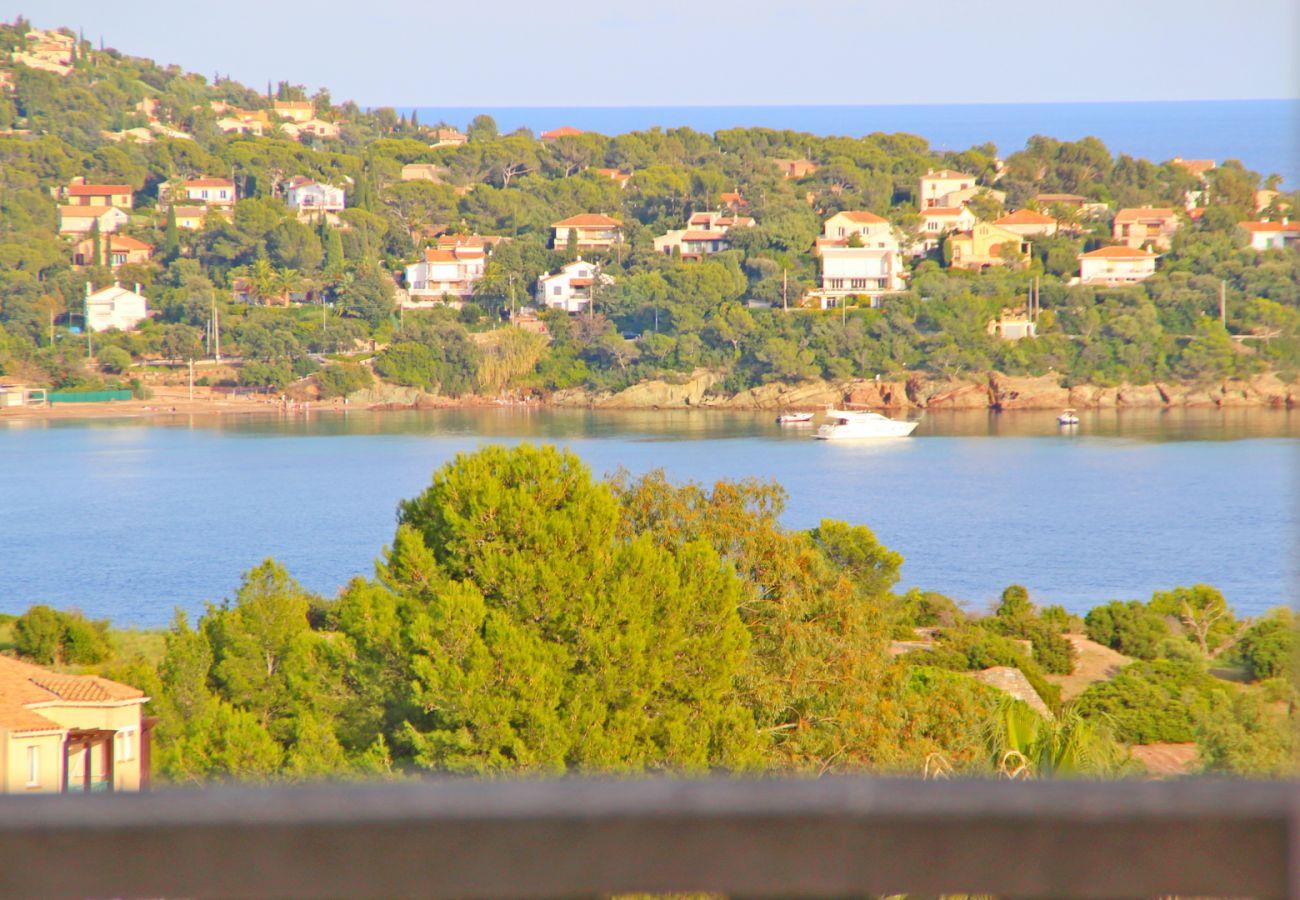 Ferienwohnung in Agay - Cap Esterel Village : 3 pièces rénové mer panoramique E1- 432la