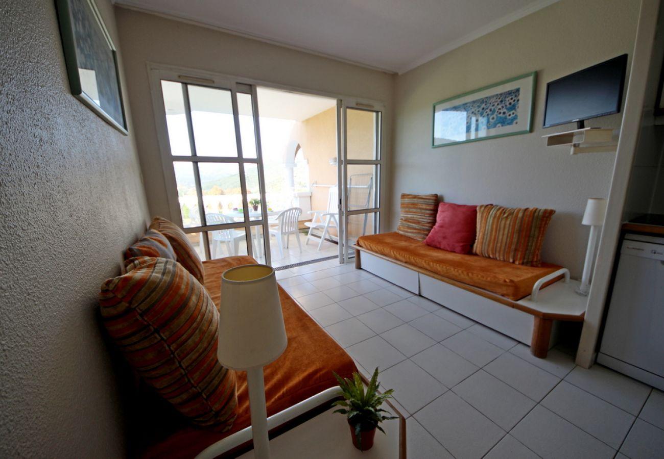 Studio in Agay - Cap Esterel Village : studio vue Esterel- C5 - 449la