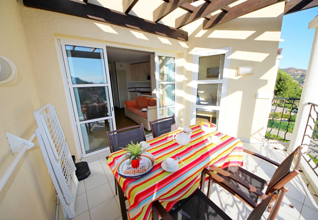 Apartment in Agay - CAP ESTEREL: 1 bedroom flat with sea view, corner terrace - 63la