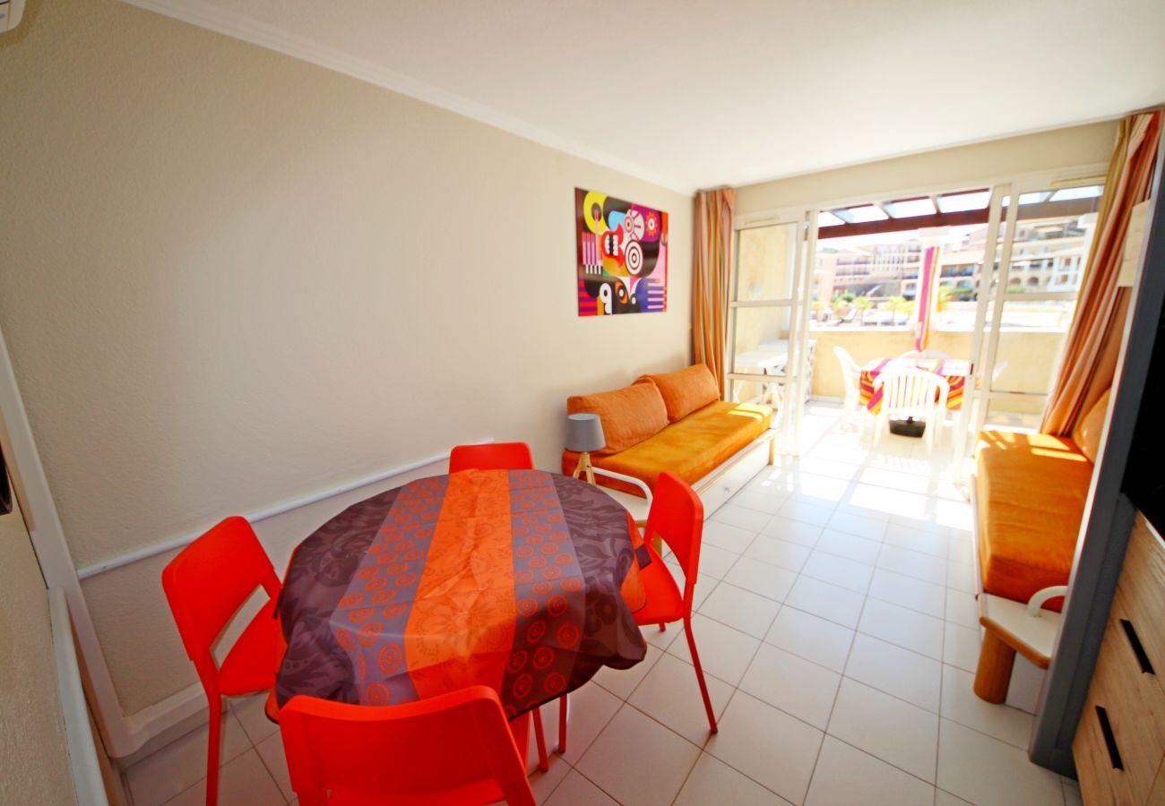 Studio in Agay - Cap Esterel centre B1, studio cabine 5 pers. Ref. 302la