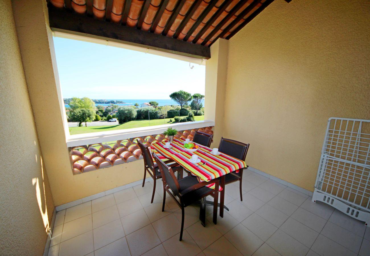 Apartment in Agay - Cap Esterel Village : deux pièces vue mer rénové V3 - 365la