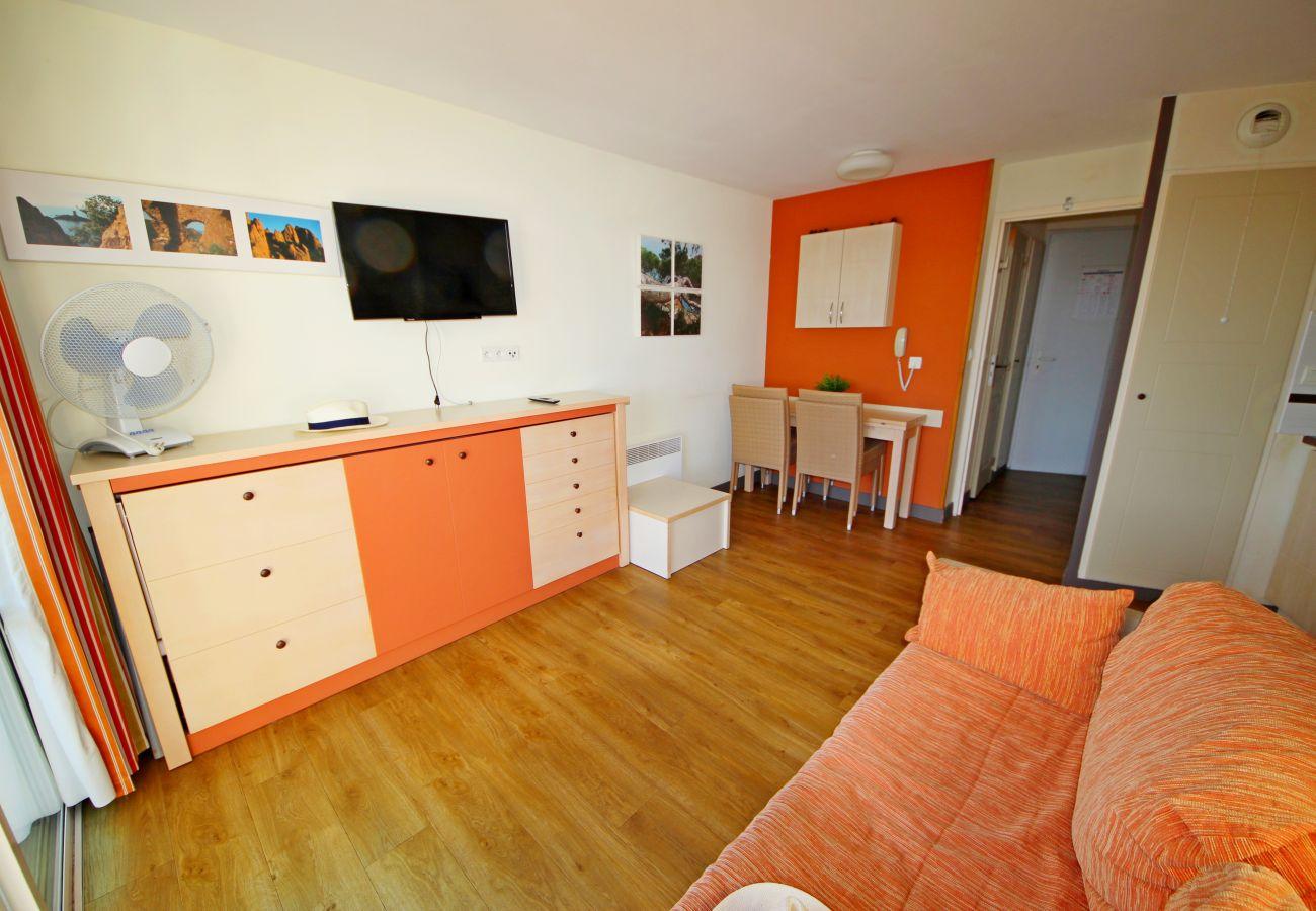 Appartamento a Agay - CAP ESTEREL: 1 bedroom flat with sea view, corner terrace  - 63la