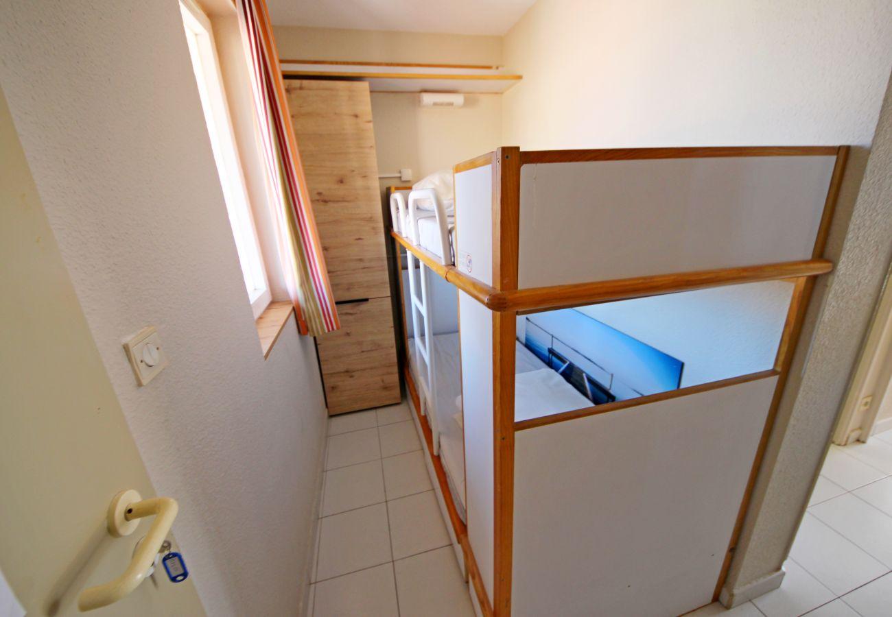 Studio a Agay - Cap Esterel centre B1, studio cabine 5 pers. Ref. 302la