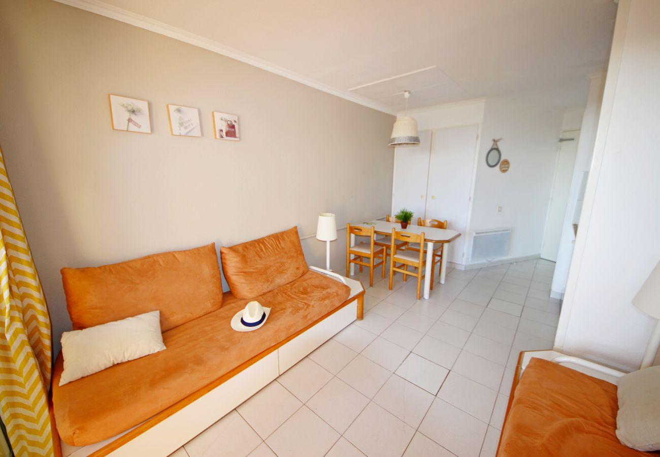 Appartement à Agay - CAP ESTEREL VILLAGE zone Calanques T2 mer accès facile  - C2  ref. 3la