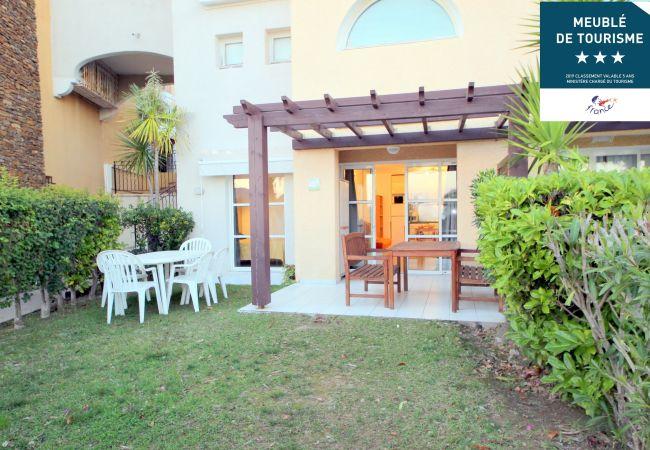 à Agay - Cap Esterel village C4: 3 pièces jardin lave linge- 89la