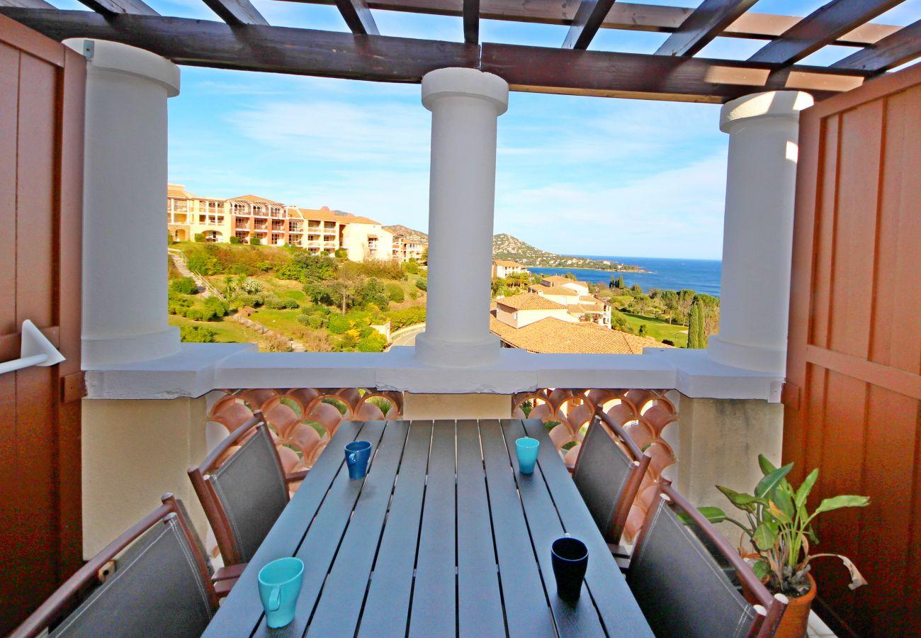 Appartement à Agay - Cap Esterel village : 3 pièces mer calme - J5 - 13la
