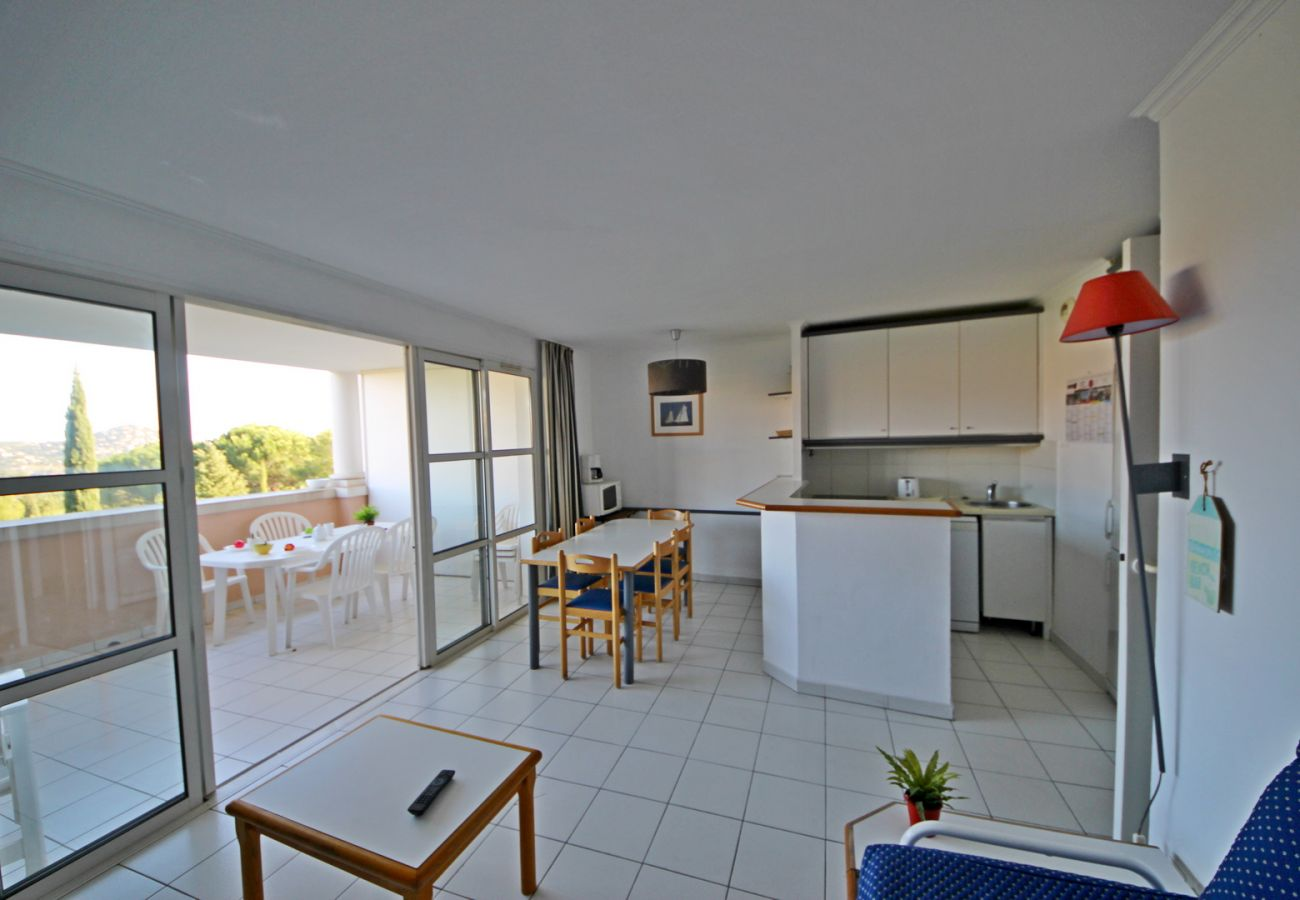 Appartement à Agay - Cap Esterel village de vacances Quartier Hameau T3 mer - K2- ref. 06la