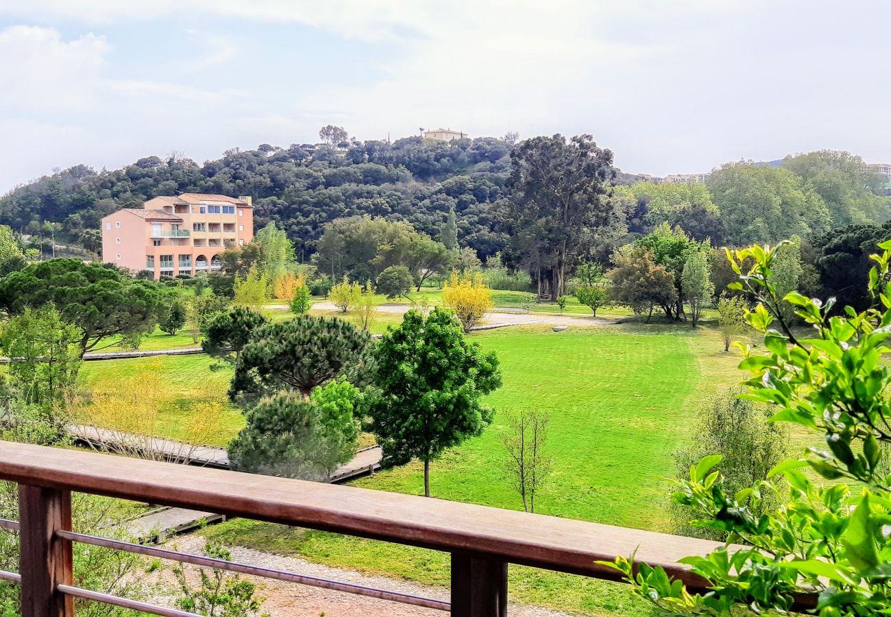 Appartement à Agay - AGAY Rive Nature : 3 pièces de standing calme piscine 170LA