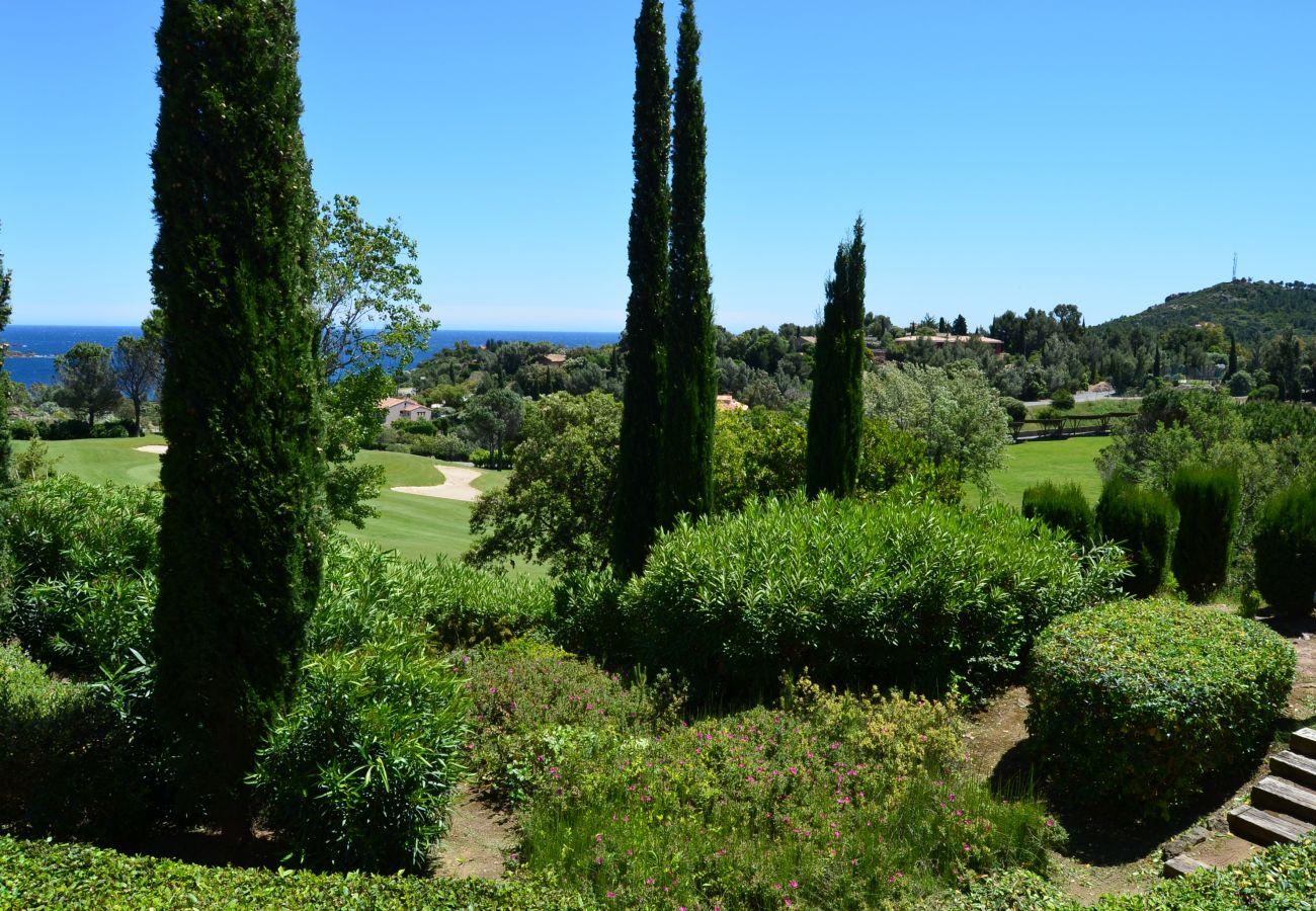 La vue depuis la terrasse du studio de Cap Esterel à Agay