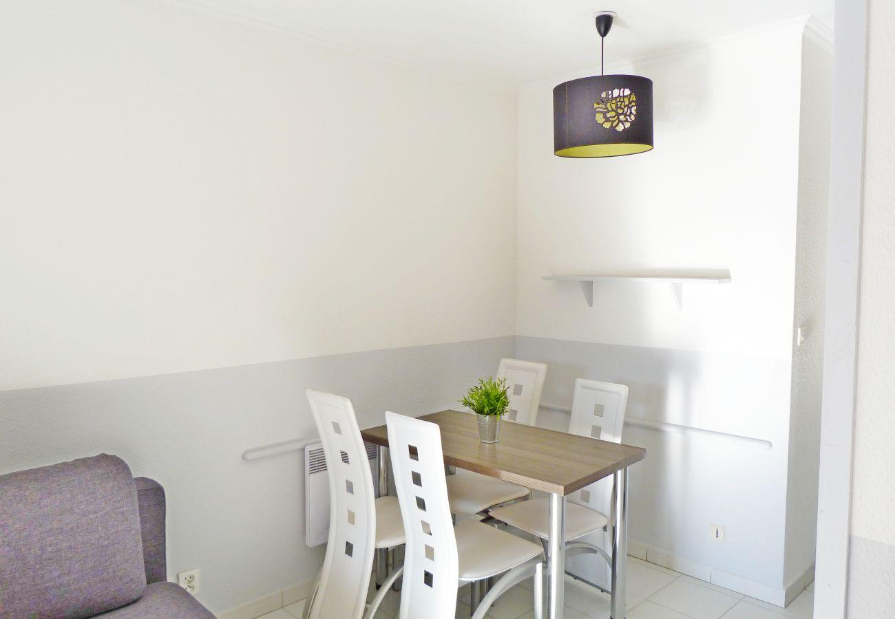 Studio à Agay - Cap Esterel Village : Studio centre vue Place B1 - 192la