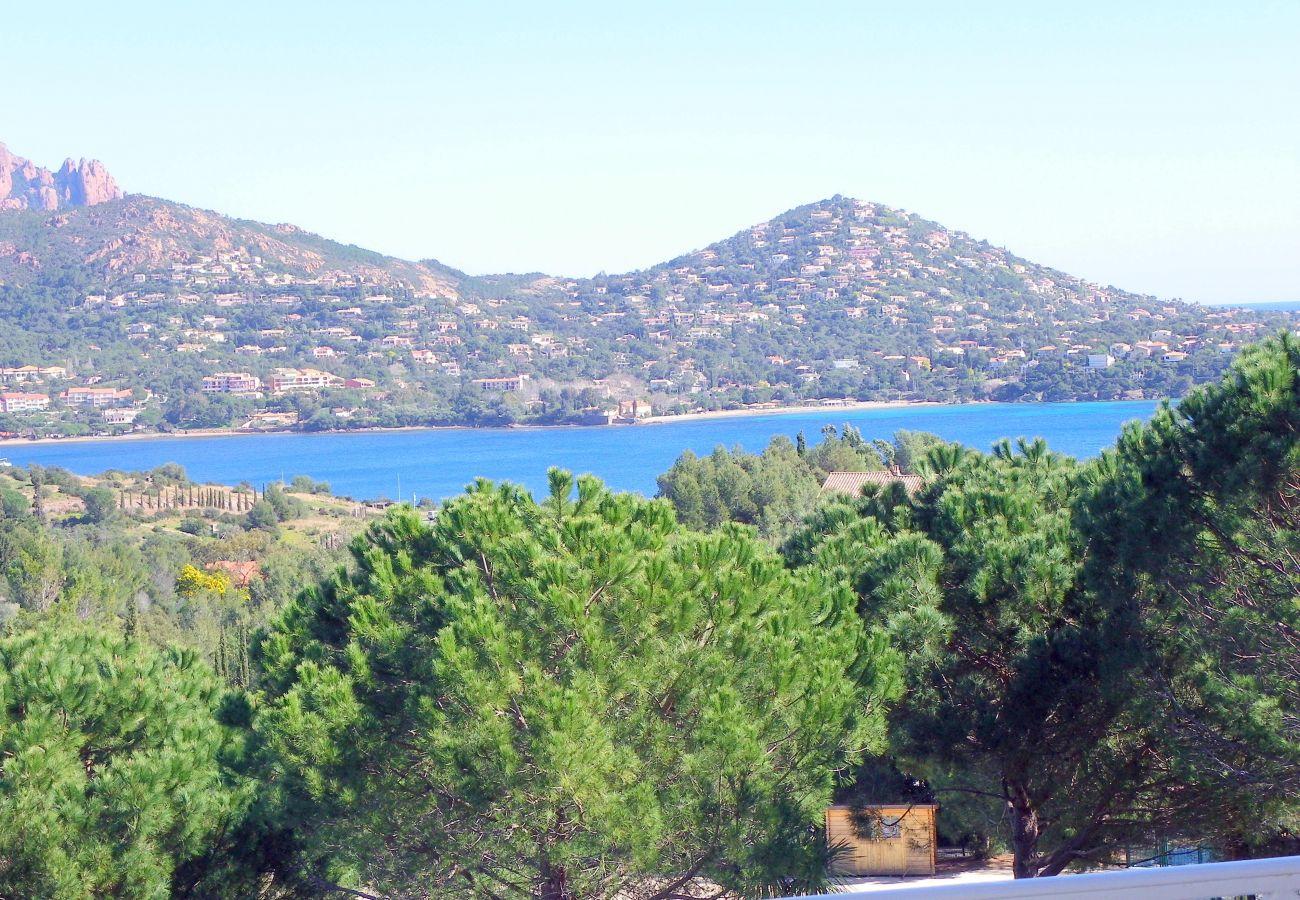 La vue sur la mer depuis le studio de Cap Esterel à Agay