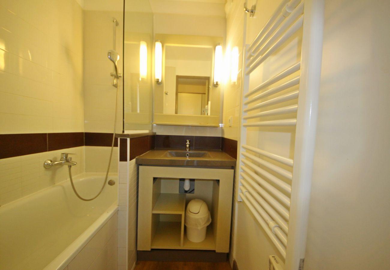 Appartement à Agay - CAP ESTEREL VILLAGE : 2 pièces mer rénové 2è étage E1-275la