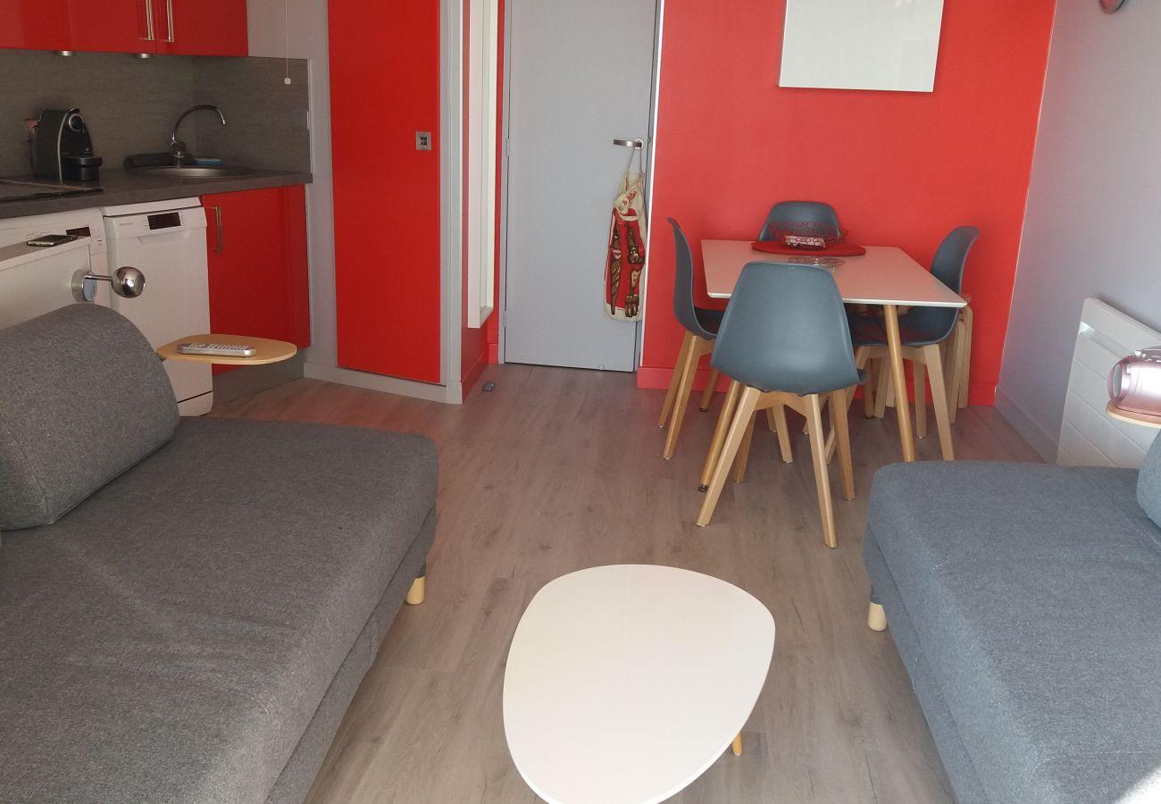 Appartement à Agay - Cap Esterel Hameau: 2 pièces vue mer M4- 116la