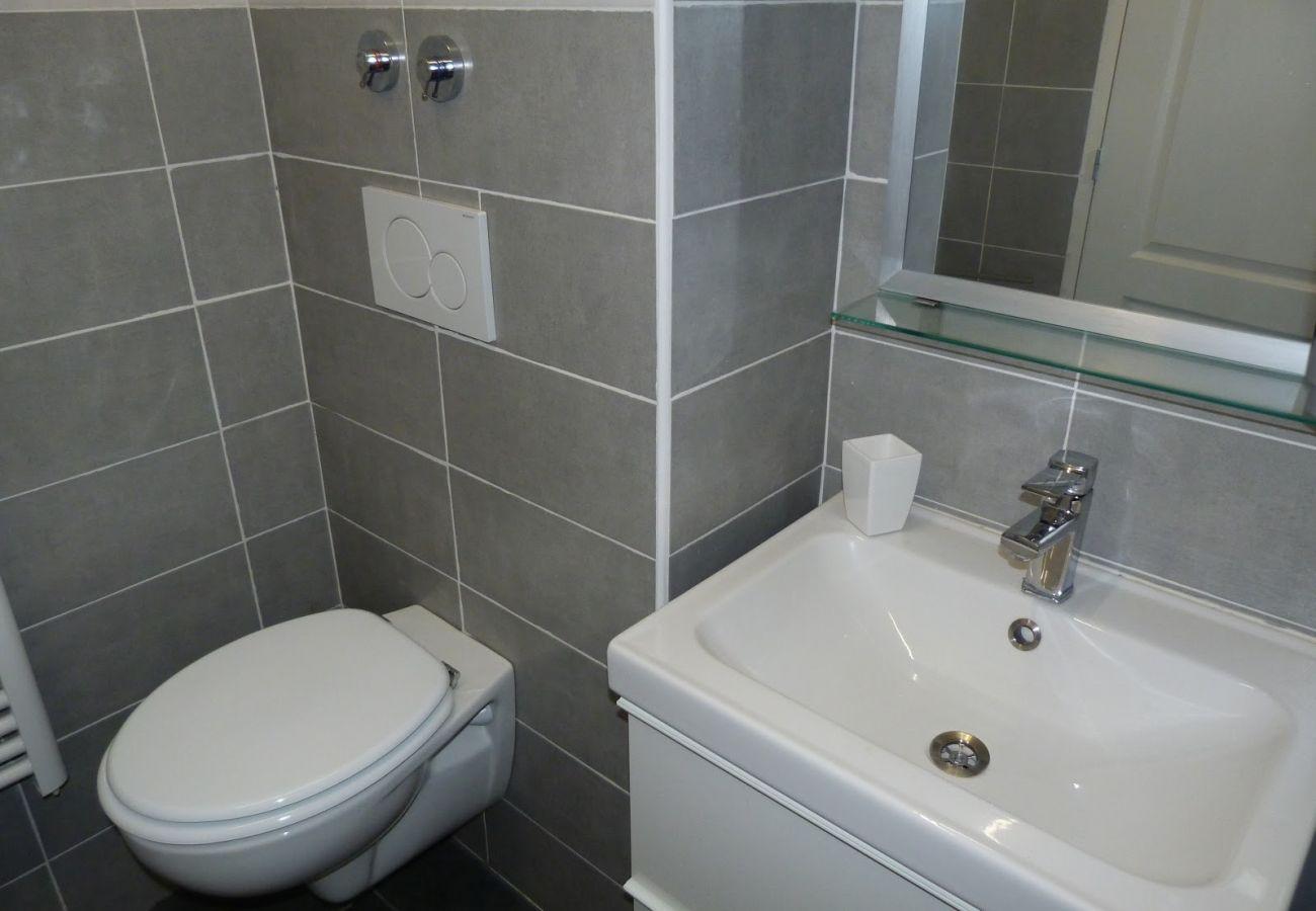 La salle de bain de l'appartement de Cap Esterel à Agay