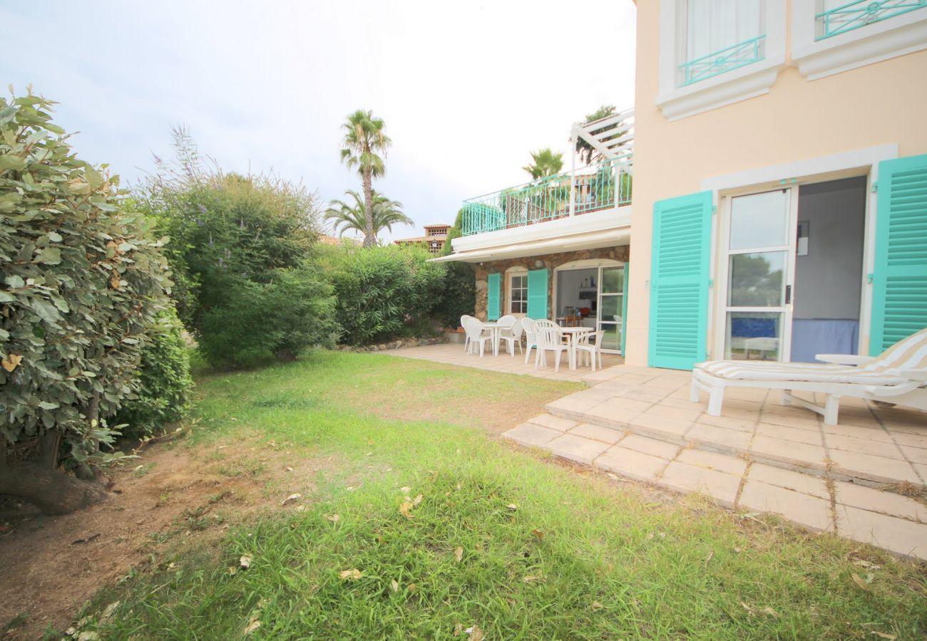 La jardin de l'appartement de Cap Esterel à Agay