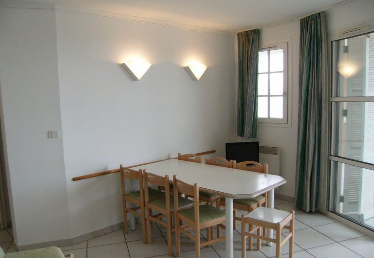 La salle à manger de l'appartement de Cap Esterel à Agay