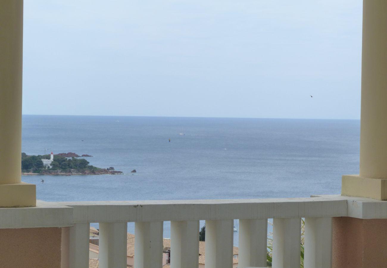 La vue depuis la terrasse de l'appartement de Cap Esterel à Agay