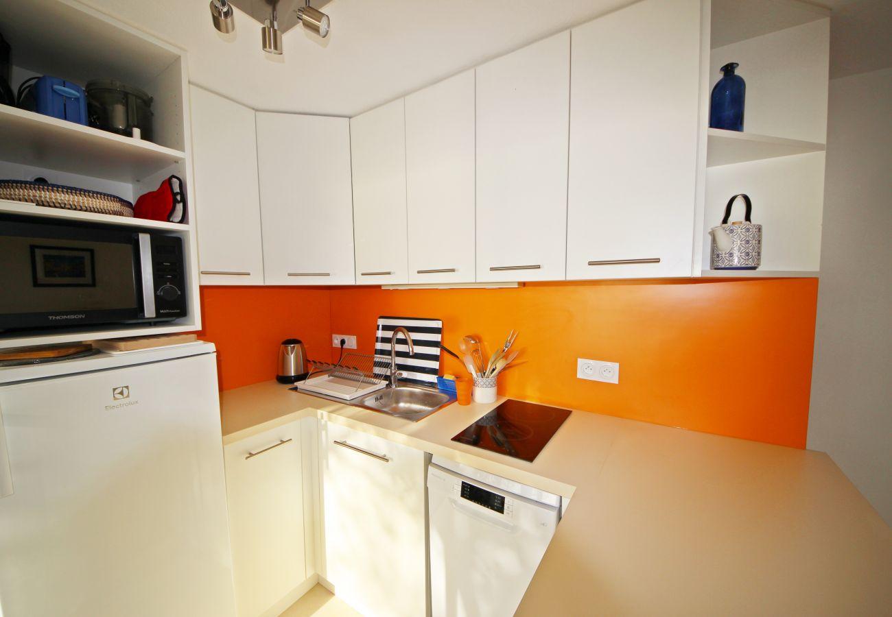 La cuisine de la villa à Agay
