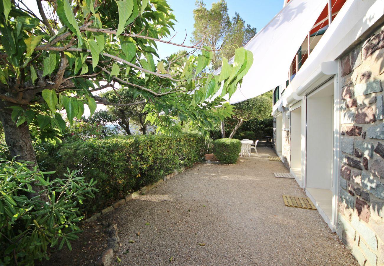 La terrasse de la villa à Agay