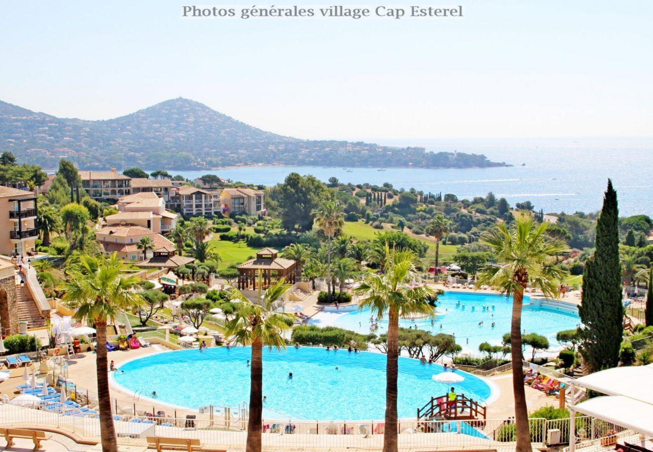 Appartement à Agay - Cap Esterel Hameau - T2 vue mer avec lave linge - M4 - 296la