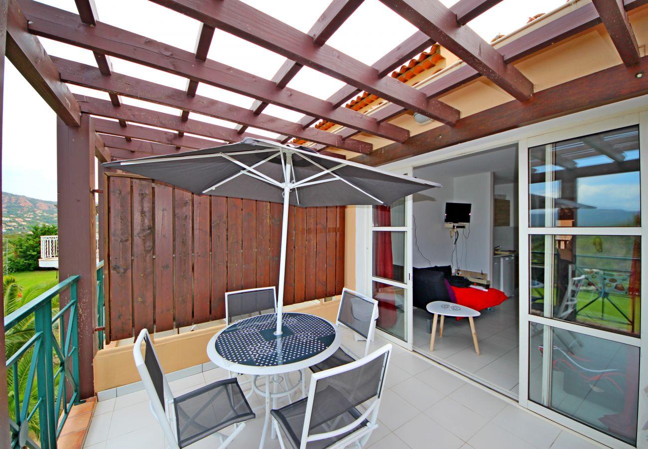 La terrasse du studio de Cap Esterel à Agay