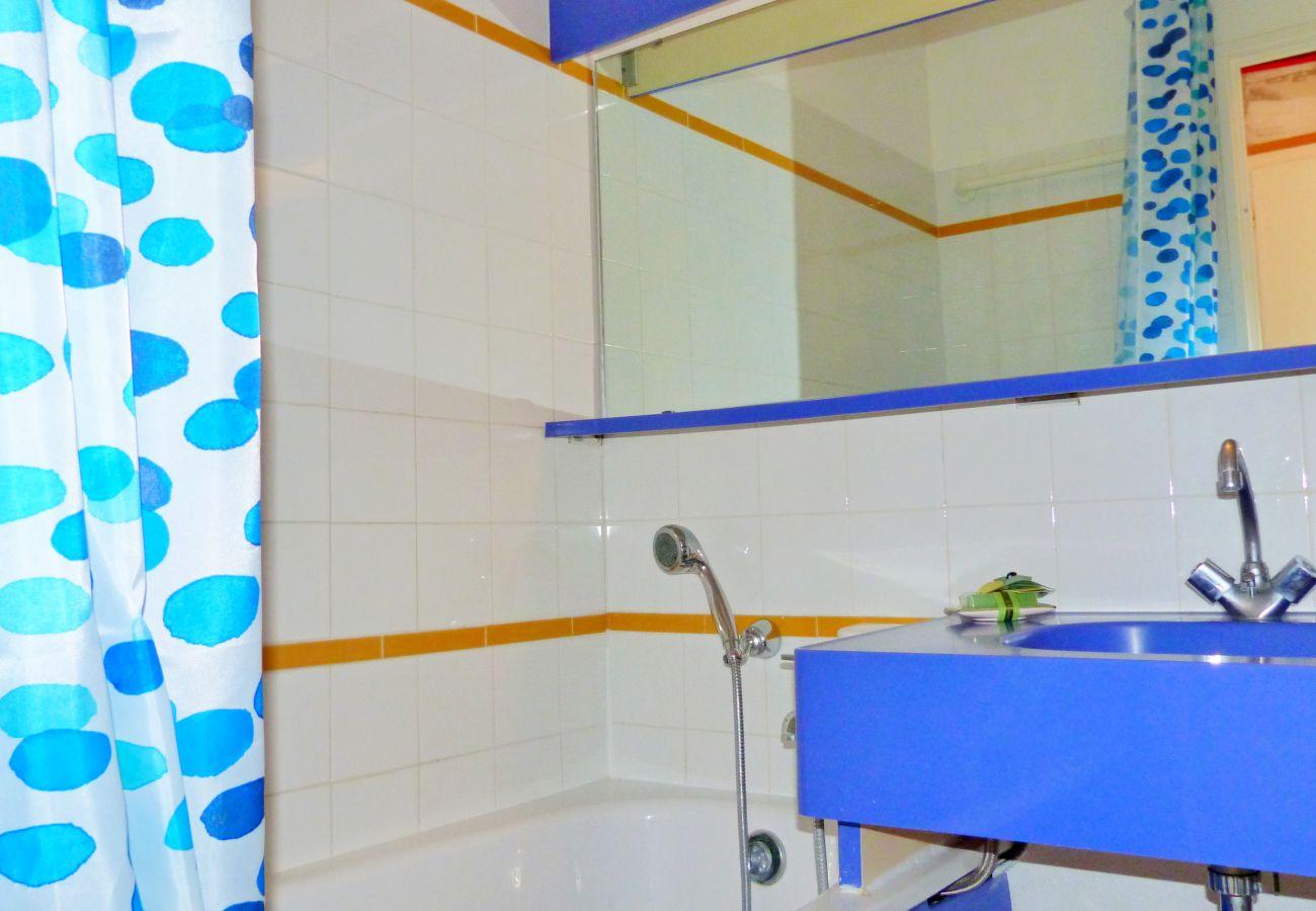 Studio à Agay - Cap Esterel Village: Studio cabine 2è étage - R8- 159la