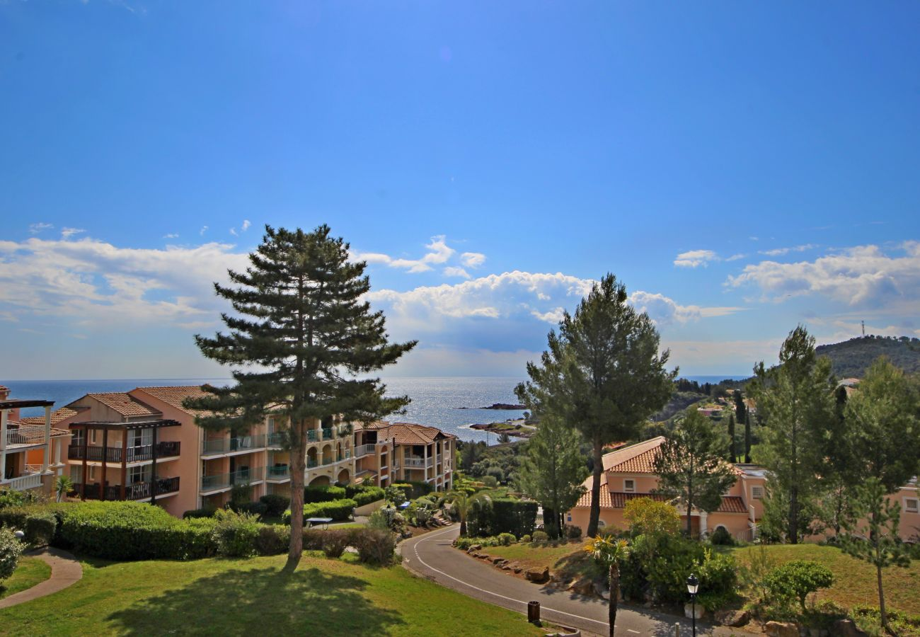 Appartement à Agay - Cap Esterel village: 2 pièces d'angle, vue mer - C0 353la