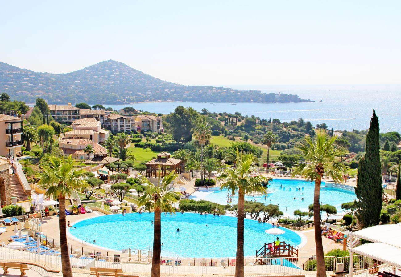 Appartement à Agay - Cap Esterel les Bastides : 2 pièces jardin vue mer au calme O4 - 372la