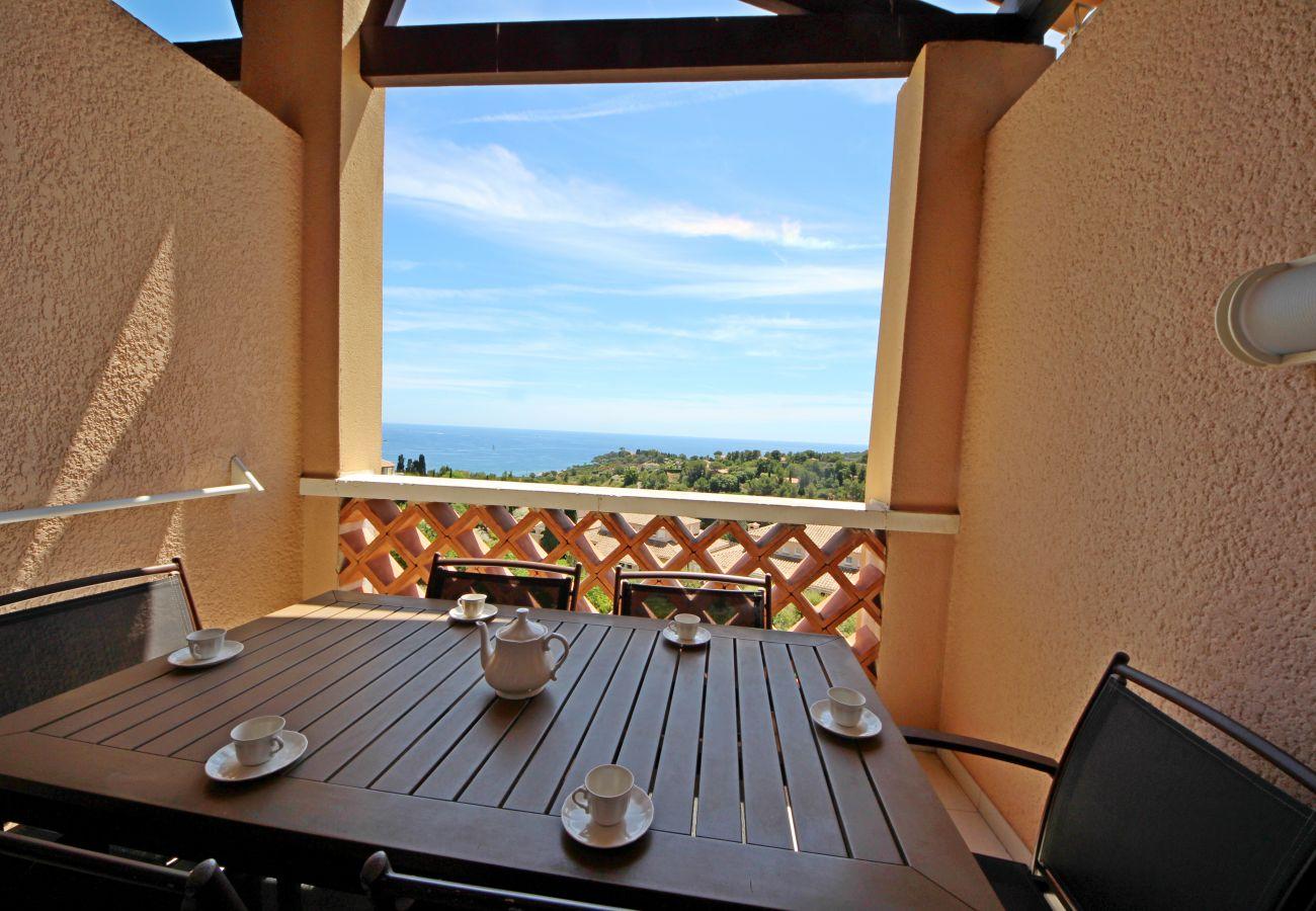 Appartement à Agay - Cap Esterel Village : 3 pièces rénové vue mer - P3 - 381la