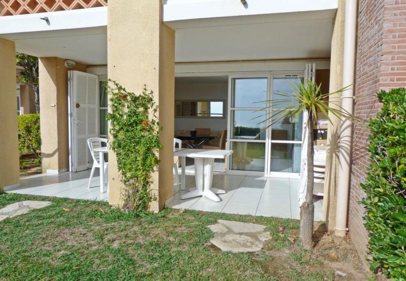 Appartement à Agay - Cap Esterel les Bastides : 2 pièces jardin vue mer au calme I3 - 387la