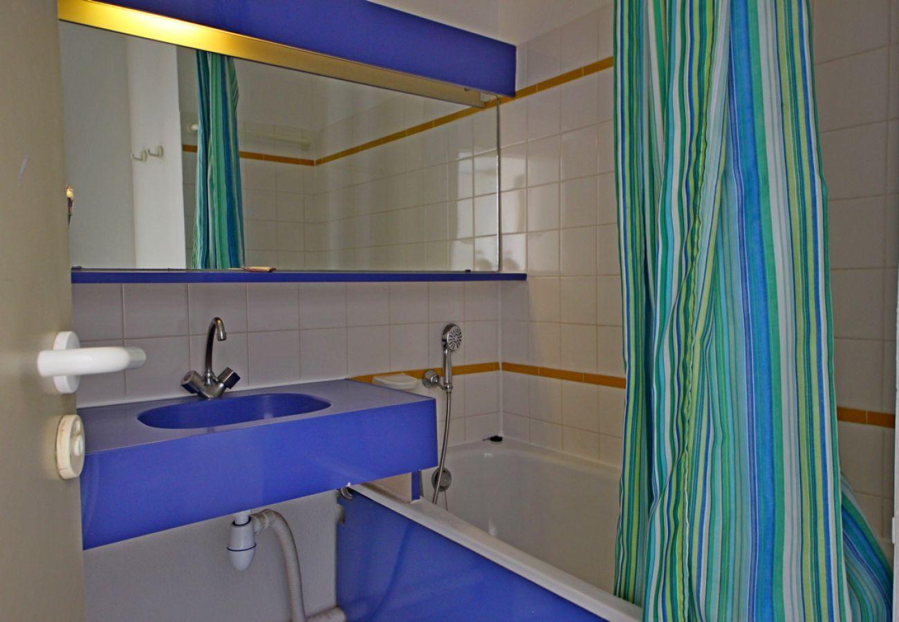 Appartement à Agay - Cap Esterel Village - 3 pièces mer terrasse - C4 - 400la