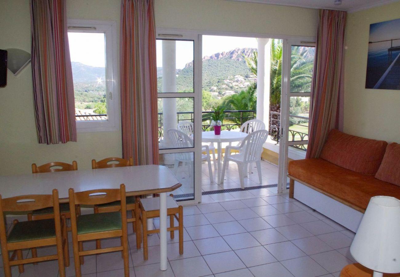 Appartement à Agay - Cap Estérel village : 2 pièces vue golf quartier C7 - 419la