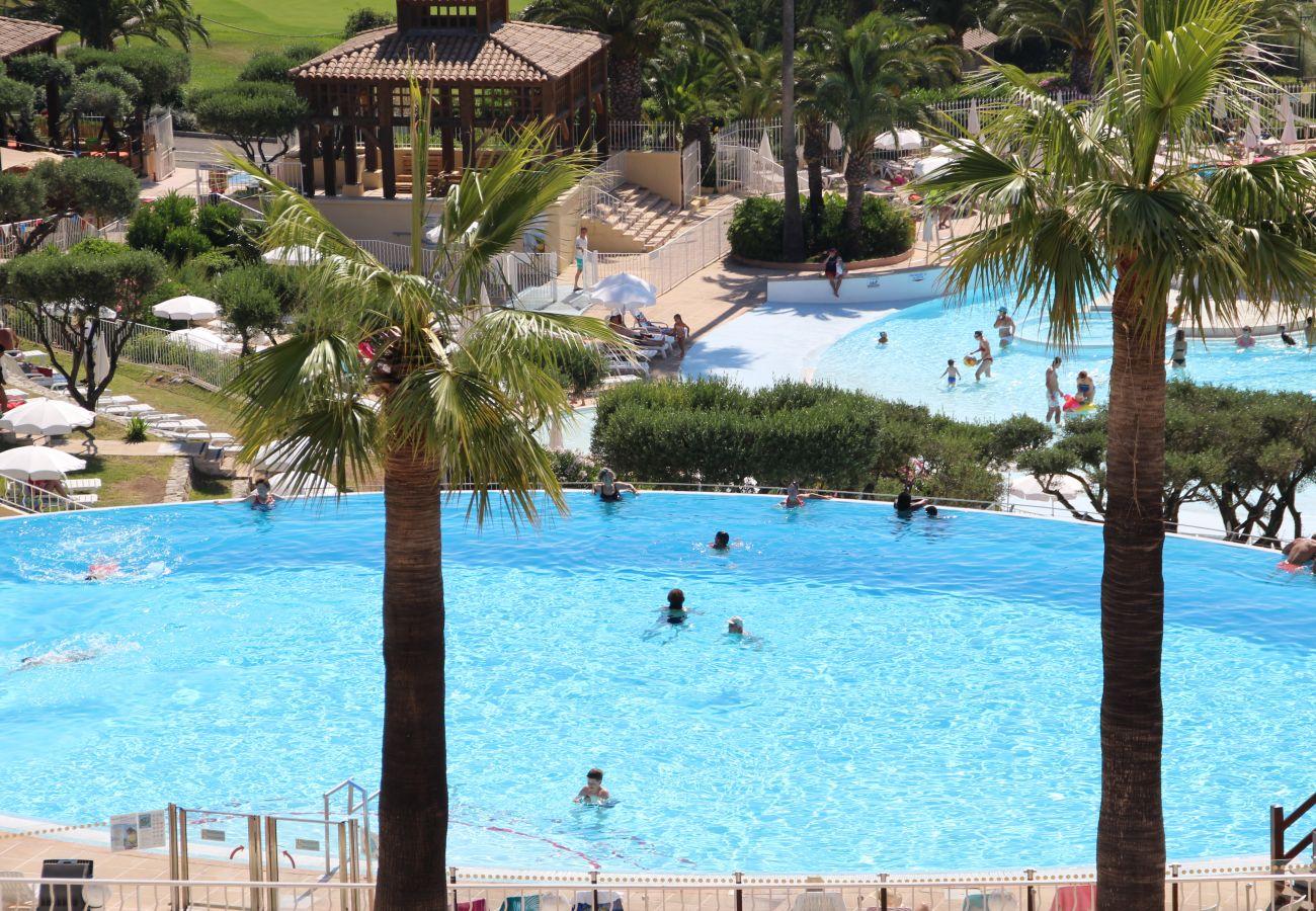 Location vacances Cap Esterel Agay 3 pièces 6/7 personnes