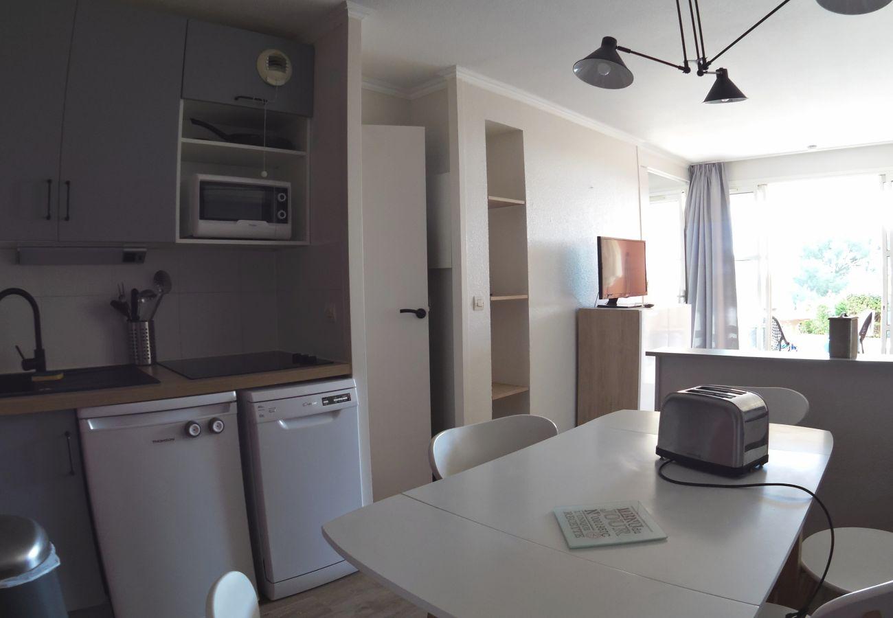 Appartement à Agay - Cap Esterel Hameau : 2 pièces Rez de jardin aperçu mer M3- 460la