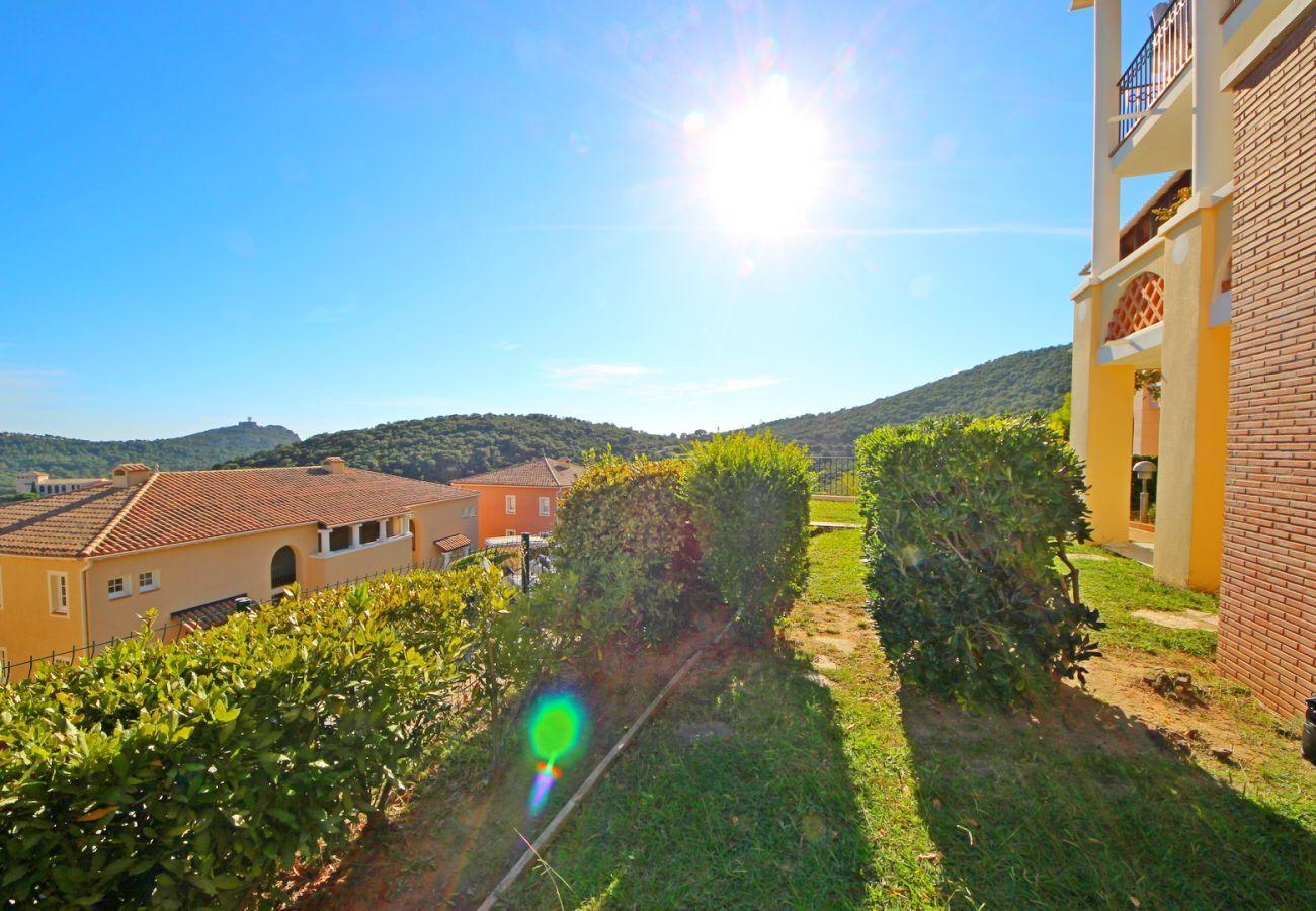 Appartement à Agay - Cap Esterel beau 4 pièces vue mer aux Bastides  I3- 463la