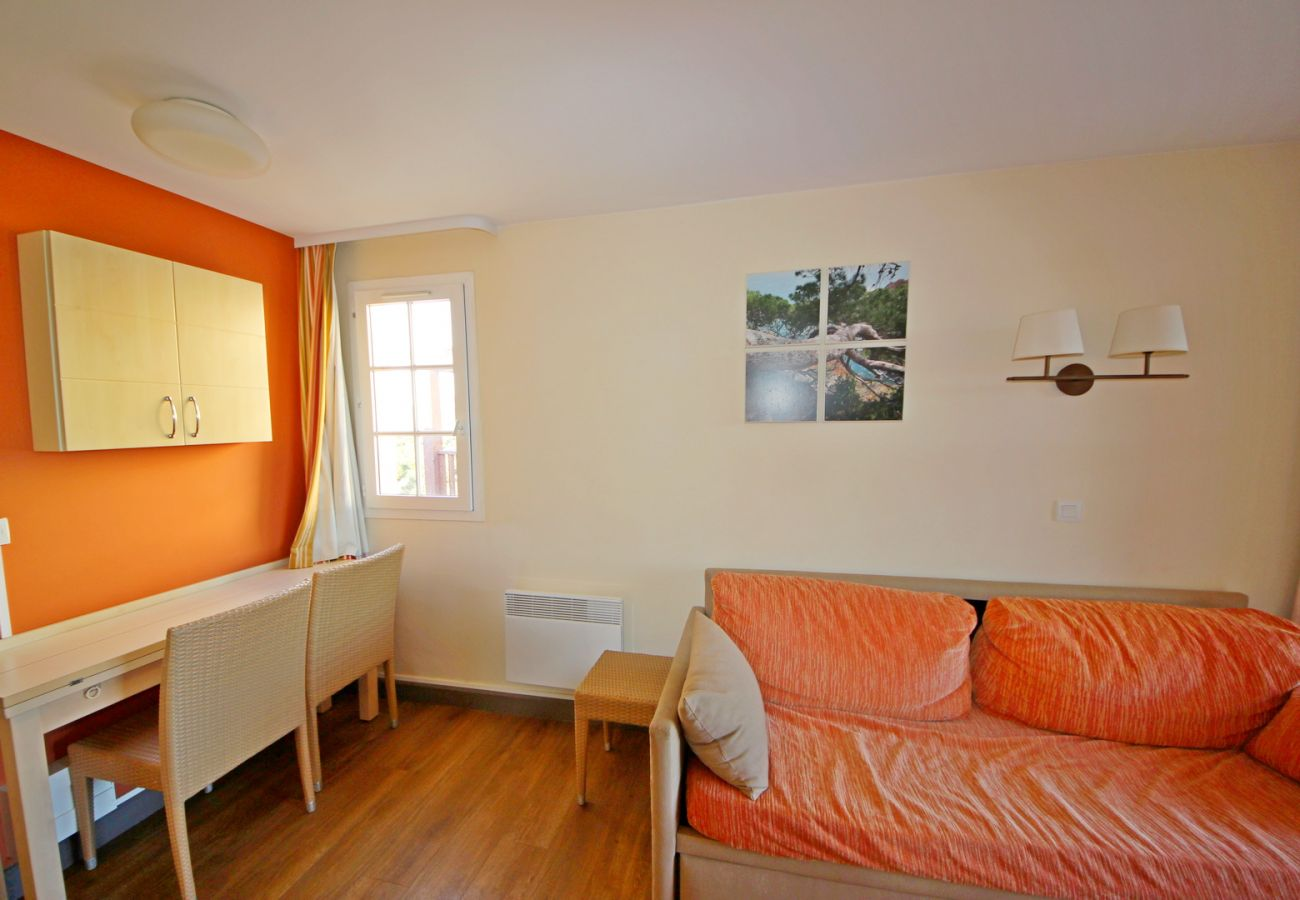 Appartement à Agay - Cap Esterel Village : 2 pièces vue mer - E3 - 470la