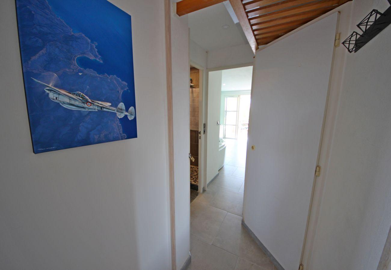 Studio à Agay - Cap Esterel Village : Studio vue mer jacuzzi P1 - 313LA